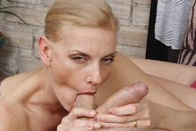 Hot milf Daryl teaches her daughter handjob